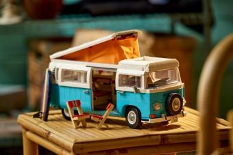Lego- és VW-fanok figyelem! Itt az új T2-es lakóbusz készlet!