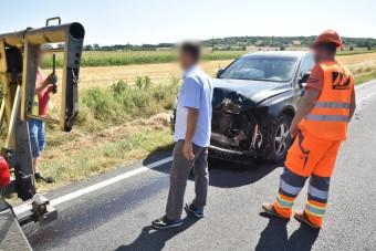 Elgurult egy tartálykocsi kereke, telibe talált egy autót