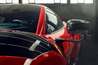 Embertelenül kigyúrták ezt a Ferrarit