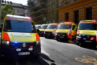 Új mentőautók állnak forgalomba Magyarországon