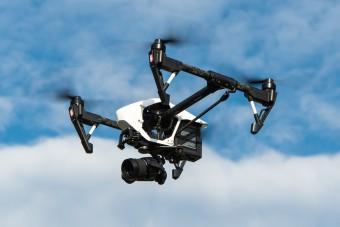 Mesterséges esővel hűtik drónok az 50 fokos Dubajt