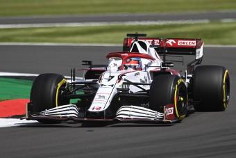 F1: Megvan az engedély, sztárpilóta jöhet az Alfához