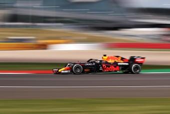 F1: Verstappen óriási előnyben Silverstone-ban, a Mercedes szinte sehol