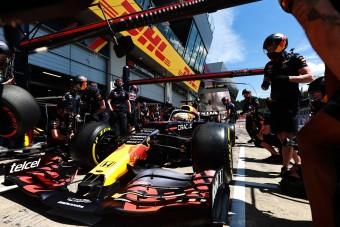F1: Verstappen ismét lépéselőnyben az időmérő előtt