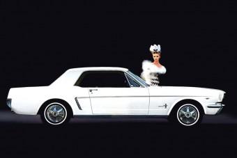 Ezekkel a reklámokkal adták el az első generációs Ford Mustangot