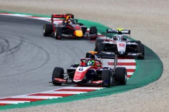 Schumacher-győzelem az F1-es hétvégén