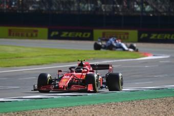 F1: Nagyot bukott, majd mentett a Ferrari versenyzője