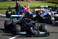 Hamilton: Verstappen nem hagyott helyet 2