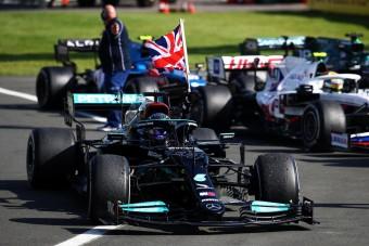 F1: Tiltsák el Hamiltont!