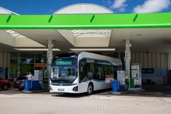 Egy német benzinkútra már begurult a jövő
