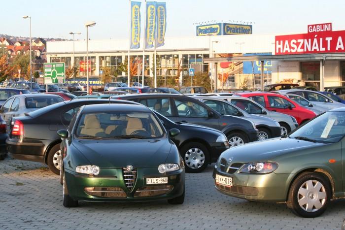 Százezrekkel drágultak a magyar használt autók