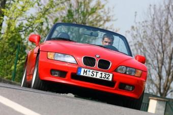 800 ezret rögtön elvitt a szép piros BMW