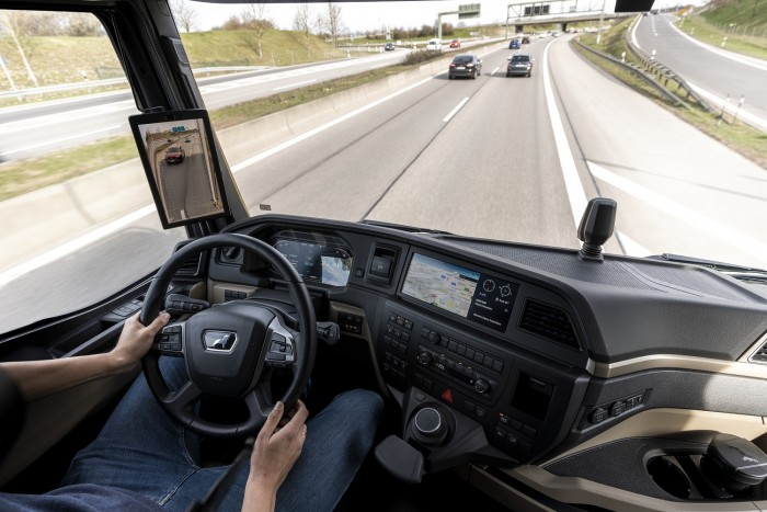 MAN trucks are given digital rearview mirrors 1