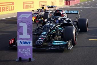 F1: Tisztességtelen előnyhöz jutott Hamilton?