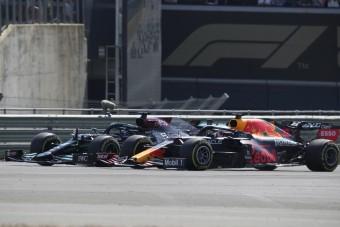 F1: A Red Bullnál az ász Hamiltonnal szemben