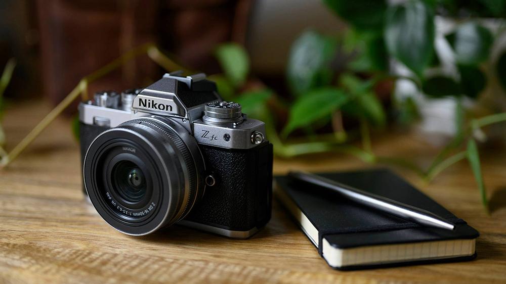 A Nikon is felszállt a retró vonalra, és nagyon jól tette 1