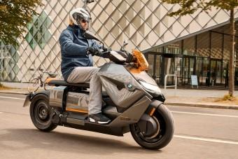 Újragondolta a robogó műfaját a BMW