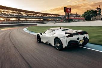 Egy Ferrari a rekorder Amerika leghíresebb pályáján