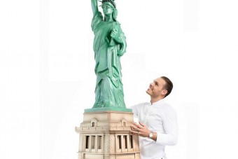 Csokiból építették meg a Szabadság-szobrot