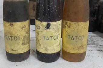 Több száz palacknyi értékes borra bukkantak az egykori királyi palotában