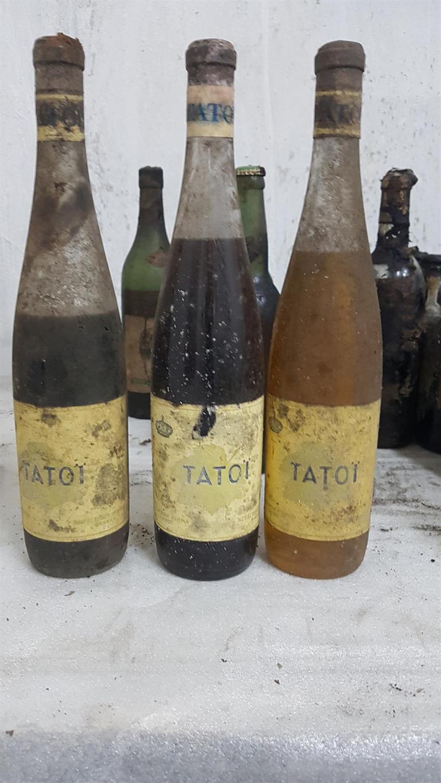 Több száz palacknyi értékes borra bukkantak az egykori királyi palotában 1