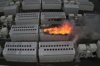 Miért veszélyes, ha kigyullad a villanyautó akkumulátora?