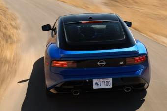 Videón a 400 lóerős öröm-Nissan