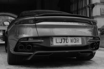 Autós üldözés is jár a megvehető James Bond-élményhez