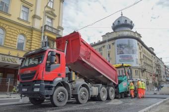 Közlekedési könnyítés jön a Blaha Lujza téren