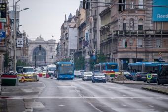 Még kaotikusabbá válik a közlekedés a Blaha Lujza téren és környékén