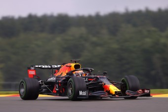 F1: Verstappené az esős belga edzés