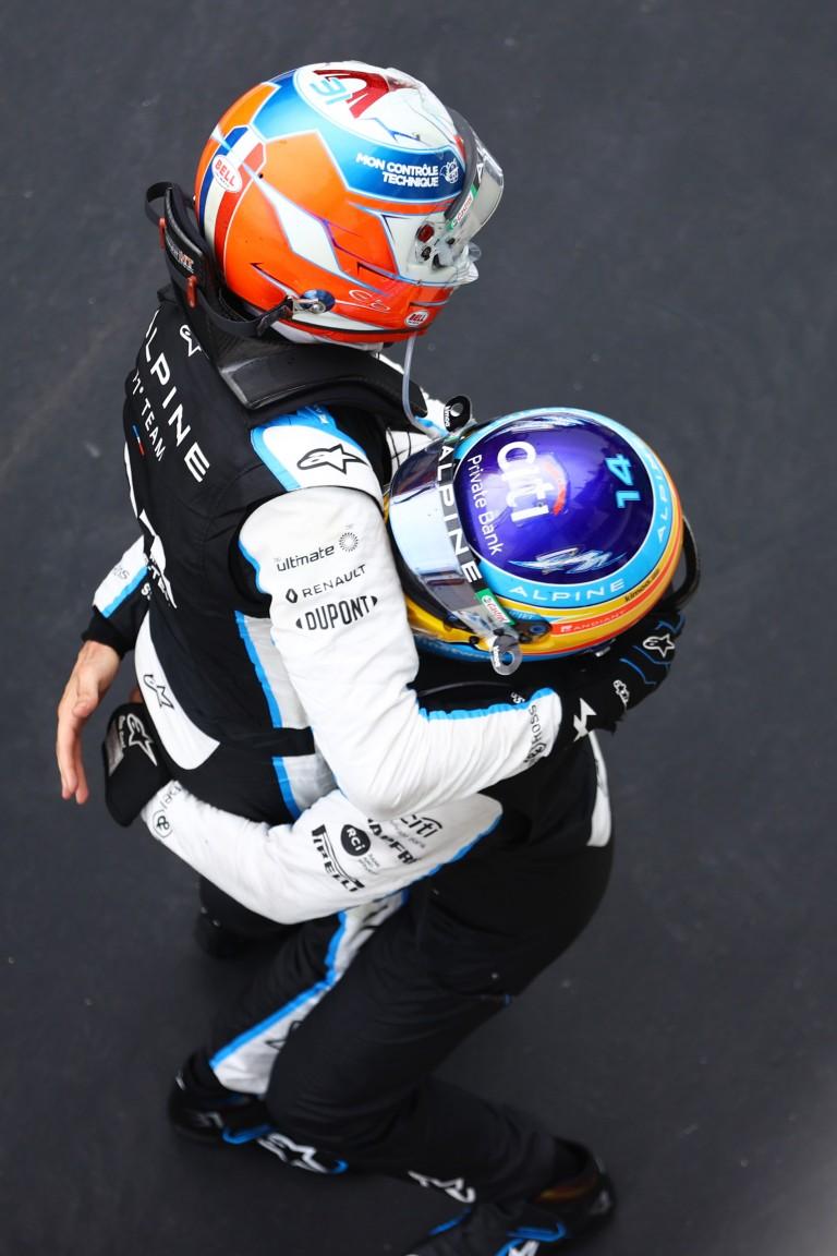 F1: Alonso salta de su piel tras la victoria