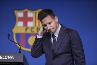 Elárverezik Messi könnyeit