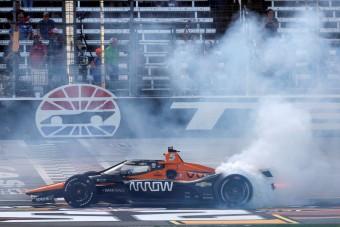Bebetonozta magát az IndyCarba a McLaren