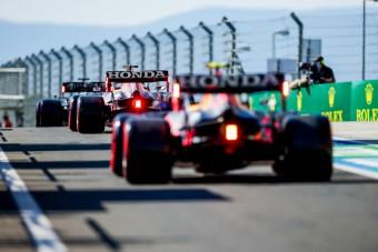 F1: Gyanakszik a Mercedes, ez lehet a Red Bull titka