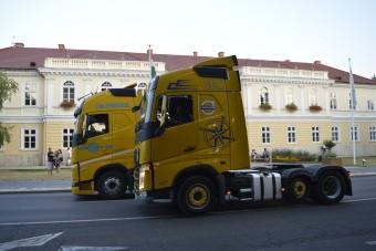 Különleges kamionnal emlékeznek a Volán Tefura