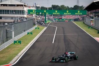 F1: Kiáll a hibás döntés mellett a Mercedes