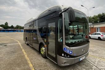 Újabb elektromos buszt tesztelnek Budapesten