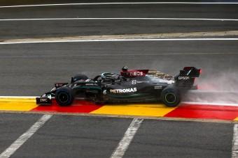 Hamilton: Az F1-ben csak a pénz beszél