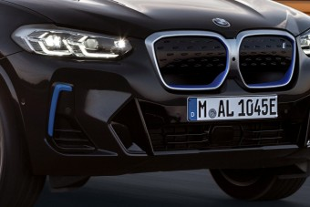 Máris megújult a BMW villanyterepjárója