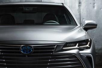 Megszűnik a legnagyobb elsőkerék-hajtású Toyota