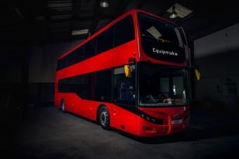 Megérkezett London legújabb emeletes busza