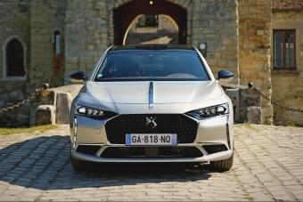 Elnöki limuzin, vagy csak csillogó Peugeot? - Vezettük a DS 9-et