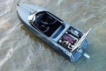 10 évig készült a csónak, amelybe egy Nissan Skyline motort építettek