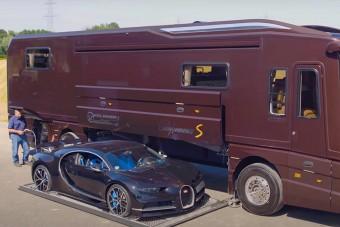 Milyen autóval állnál ennek a mozgó álomotthonnak a garázsába?