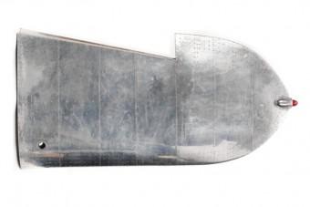 Menő íróasztal lett a XX. század legendás repülőjének szárnyából