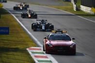 F1: Ricciardo nyert Monzában, Verstappen és Hamilton kiesett 3