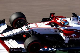 Räikkönen tojt a Forma-1-re