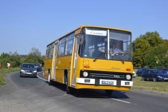 A magyar buszgyártás legszebbjei gyűltek össze Folyáson