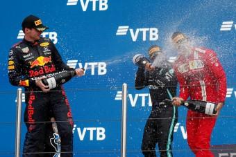 F1: Esőisten tette élő legendává Hamiltont